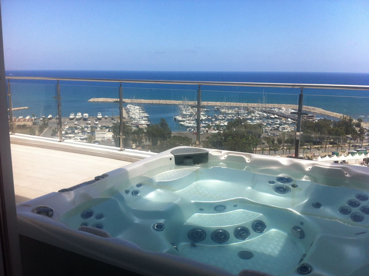 3b Seaview Hot-tub Duplex Penthouse - Finikoudes
